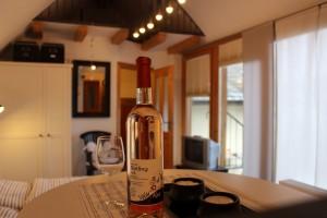 Ferienwohnung Ü1 - Detail Wein
