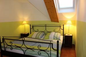 Ferienwohnung W2 und W3 - Schlafzimmer 2