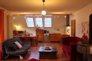Ferienwohnung W2 - Wohn und Essbereich